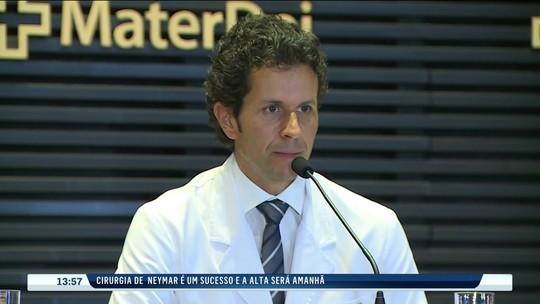 """Equipe médica fala sobre a operação de Neymar: """"Transcorreu tudo com muito sucesso"""""""