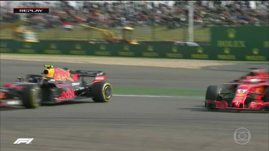 """Diretor da RBR alivia Verstappen e cita passado de Vettel: """"Cometeu alguns erros"""""""