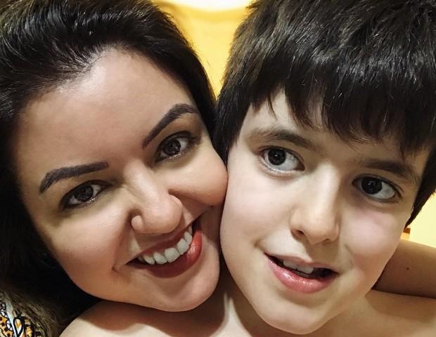 Adriana Werner com Theo, 10 anos (Foto: Reprodução Instagram)