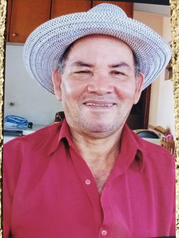 Almerindo Pereira, de 69 anos, teve que recorrer ao serviço particular — Foto: Arquivo pessoal