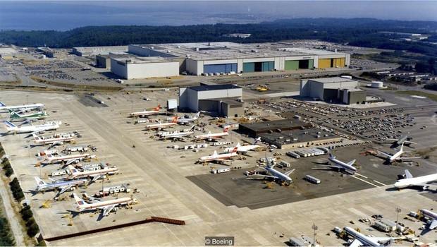 Uma vez concluída, aeronave é rebocada a aeroporto mais próximo (Foto: Boeing via BBC News Brasil)