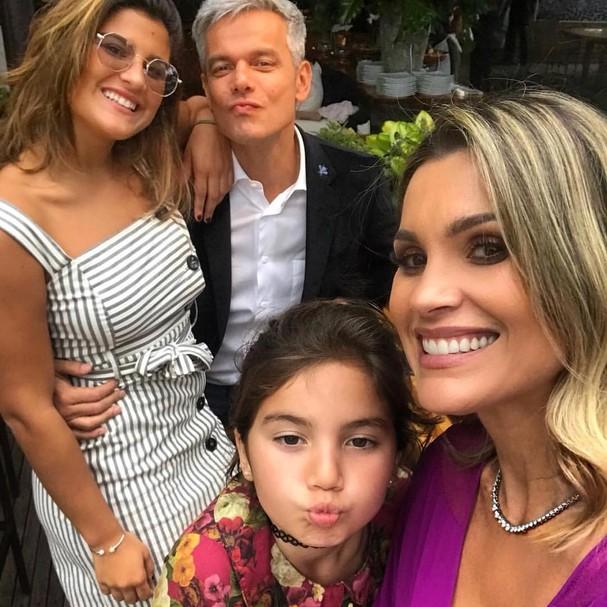 Otaviano, Giulia, Olívia e Flávia (Foto: reprodução/Instagram)