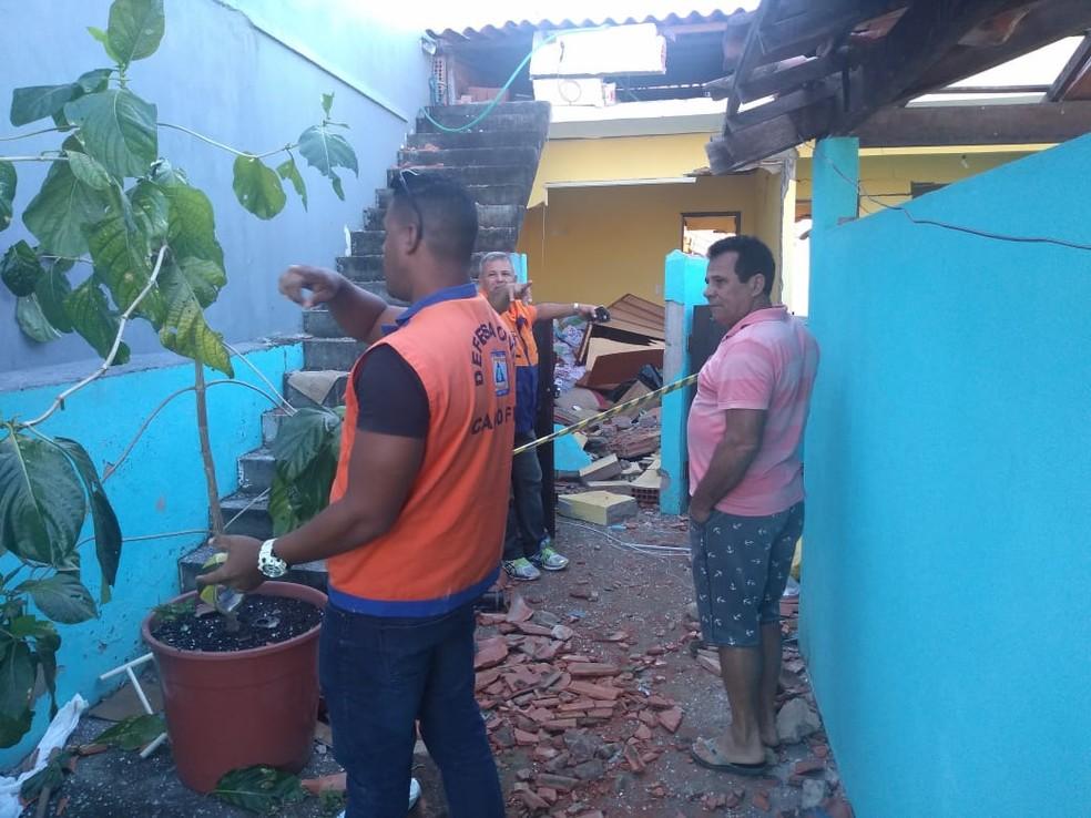 Casa foi isolada pela Defesa Civil de Cabo Frio, RJ — Foto: Divulgação/Defesa Civil de Cabo Frio