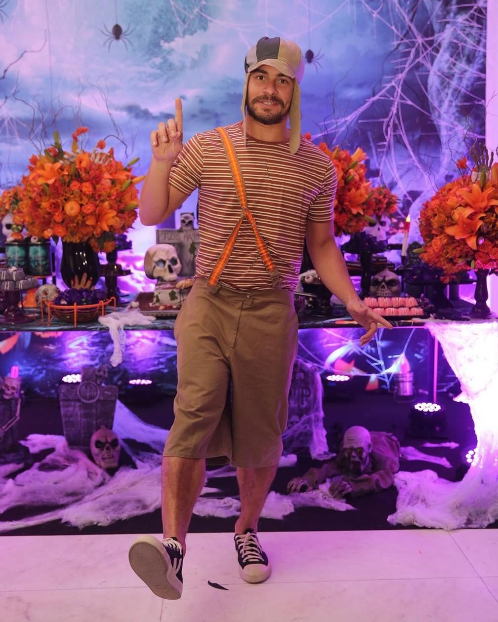 Thiago Martins foi vestido de Chaves em festa de Halloween — Foto: Reprodução/Instagram/ThiagoMartins