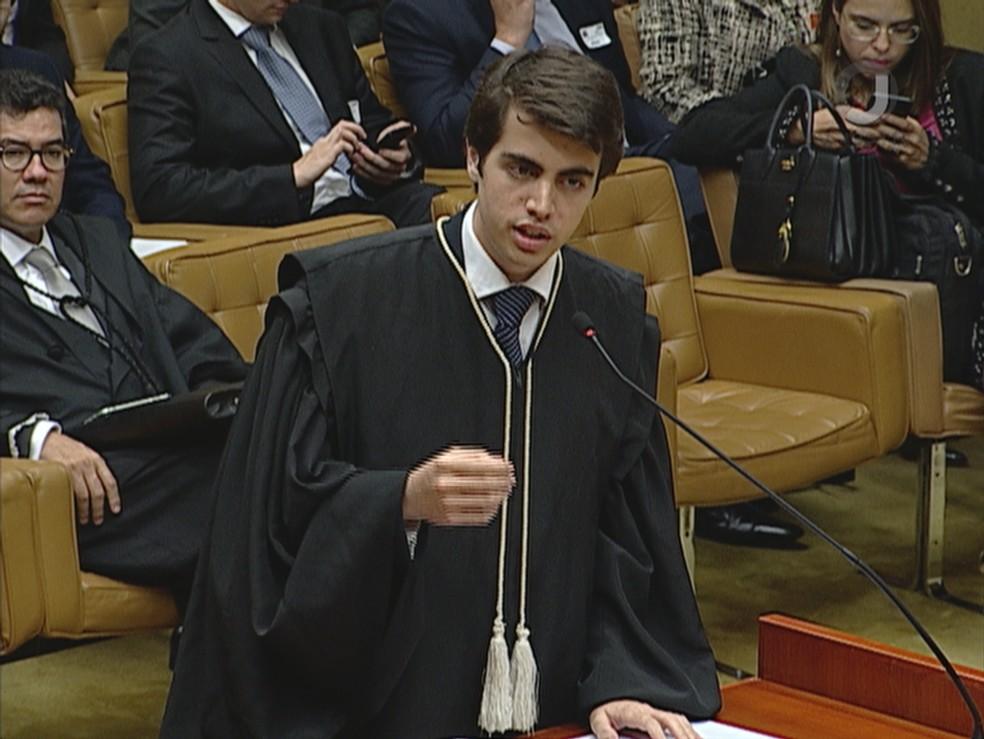 Mateus Costa Ribeiro, advogado mais jovem a defender caso no STF — Foto: TV Justiça/Reprodução