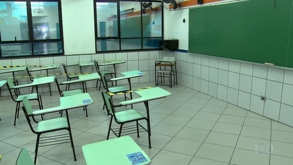 Sala de aula vazia, a espera da volta dos estudantes.  — Foto: Jornal Nacional