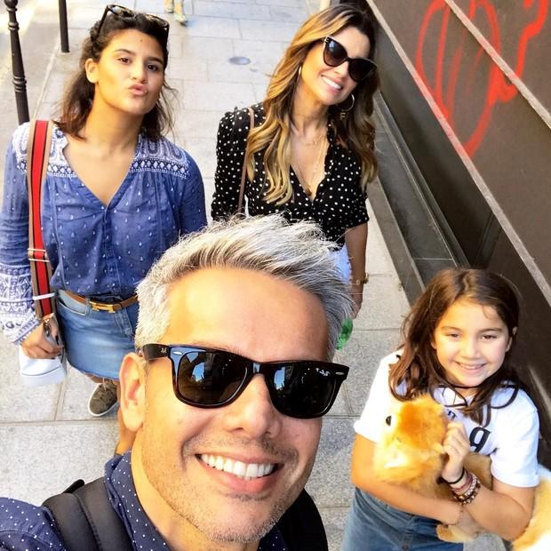 Otaviano Costa, Flávia Alessandra, Giulia e Olívia Costa (Foto: Reprodução/Instagram)