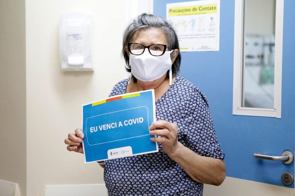 Expedita Gomes dos Santos, de 75 anos é uma das recuperadas no DF — Foto: Davidyson Damasceno/Agência IGES-DF