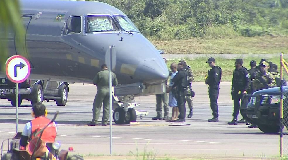 Fernandinho Beira-Mar foi transferido do presídio federal em Rondônia para o Rio Grande do Norte (Foto: Reprodução/TV Globo)