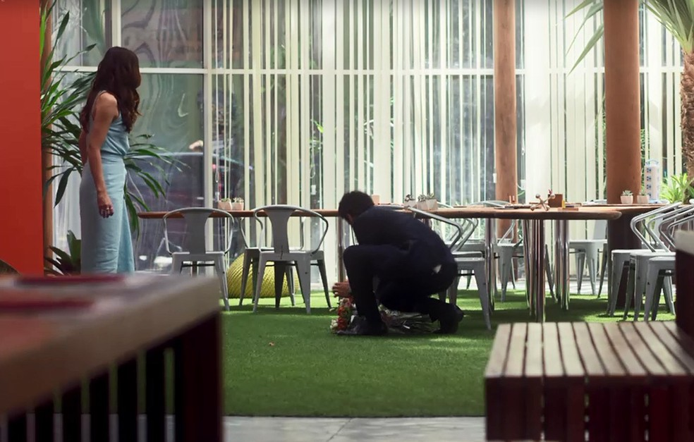 Emílio é picado por cobra — Foto: TV Globo