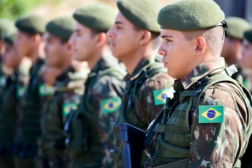 Militares no RN. — Foto: Pedro Vitorino