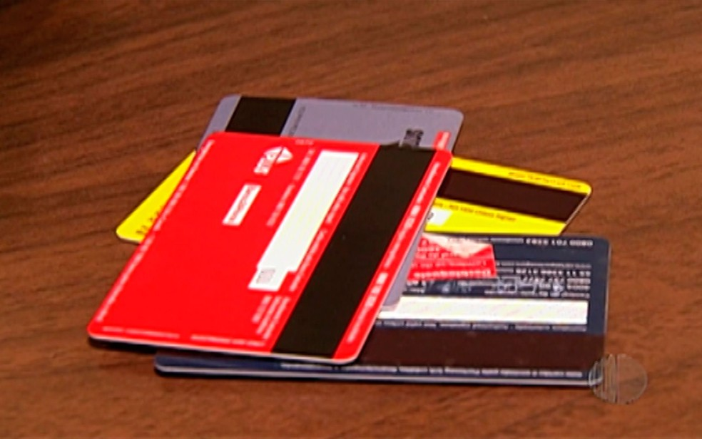 Mudanças afetam juros do rotativo e pagamento mínimo das faturas dos cartões de crédito (Foto: Reprodução/TV Diário)
