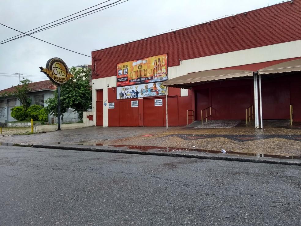 Crime ocorreu na casa Chão Brasil, em Campinas (Foto: Fernando Evans/G1)