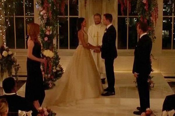 O casamento da personagem de Meghan Markle na série Suits (Foto: Divulgação)