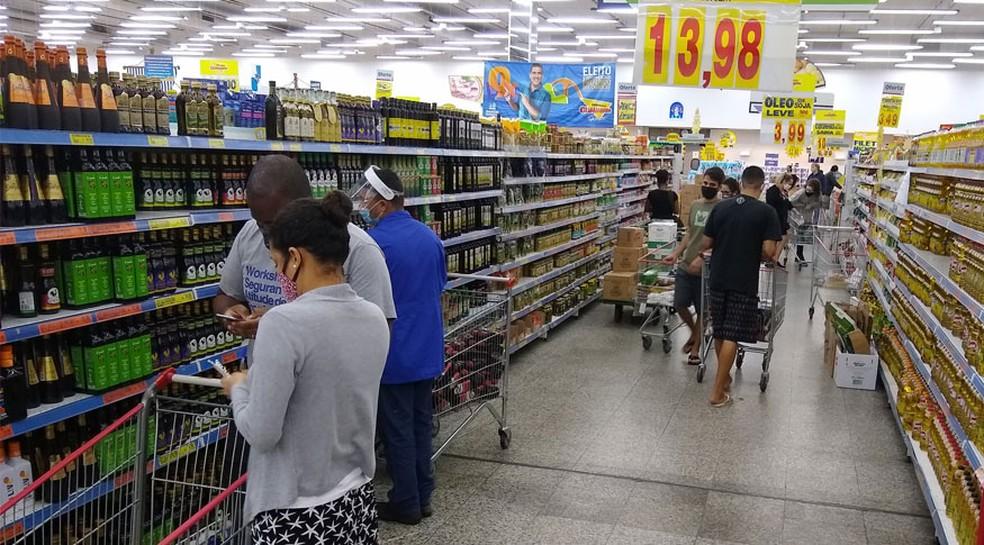 Alimentação e bebidas tem sido um dos grupos com maior impacto no índice oficial de inflação — Foto: Helena Pontes/Agência IBGE Notícias