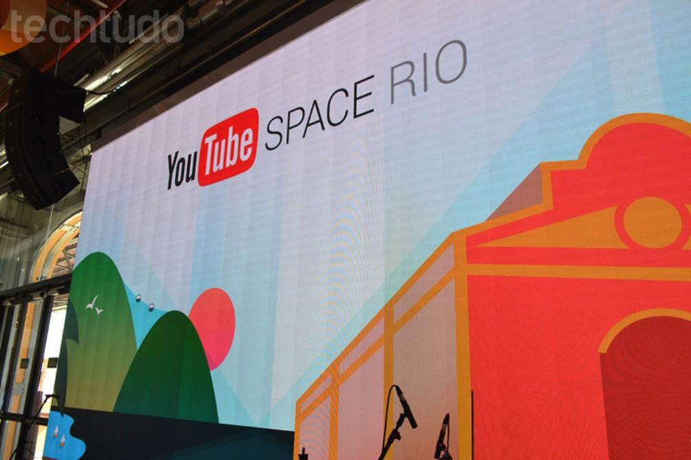Super tela da Sony 4K com 7 x 4 metros fica no espaço Lagoa no centro do YouTube Space Rio (Foto: Melissa Cruz Cossetti / TechTudo)