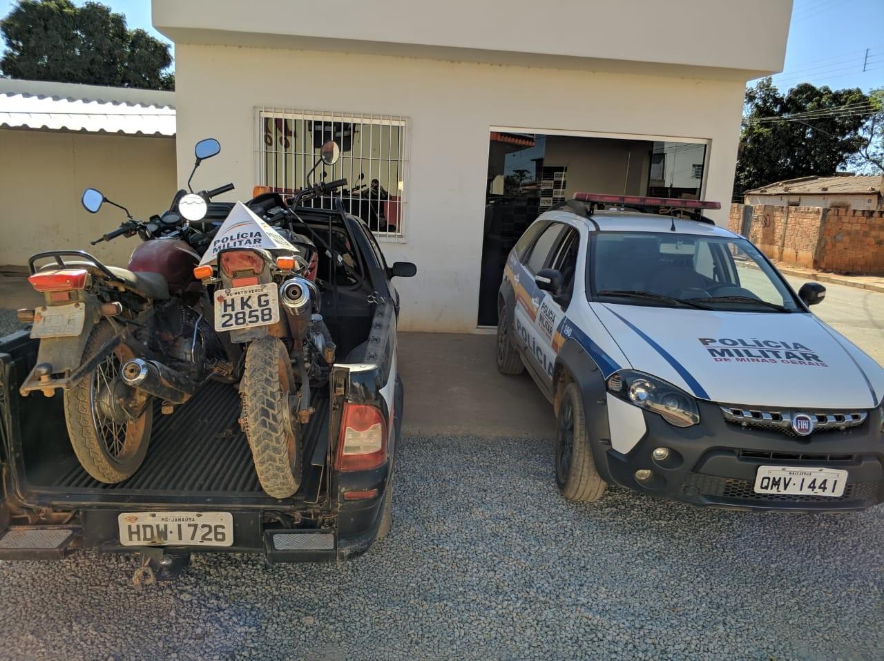 Rapaz rouba moto, é perseguido pela PM e acaba preso em Janaúba - Notícias - Plantão Diário