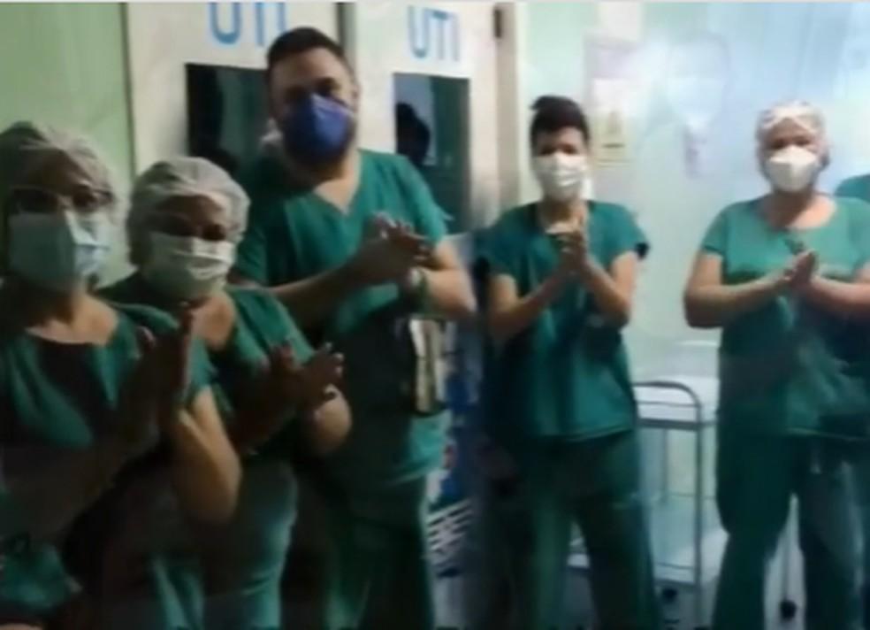 Profissionais de saúde dão alta aos últimos pacientes e 'se despedem' de alas Covid no Piauí  — Foto: Divulgação