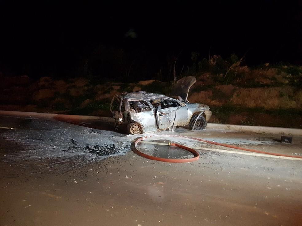 Colisão entre dois carros aconteceu na zona rural de Nova Mamoré, RO (Foto: Redes Sociais/Reprodução)