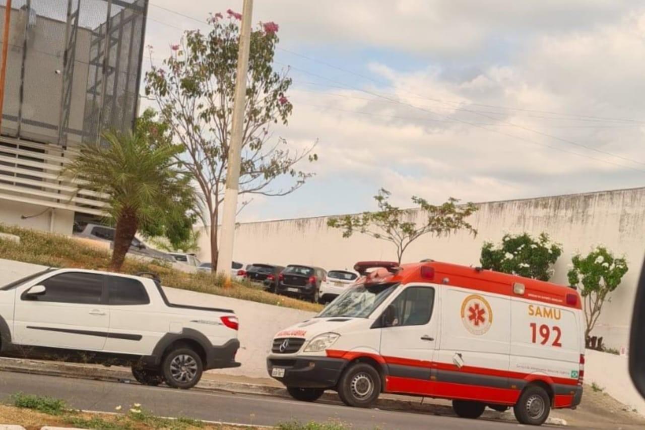 Mecânico é flagrado dirigindo ambulância em alta velocidade no Crato, no Ceará