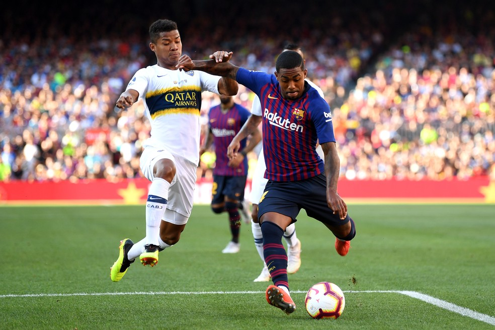 Malcom marca pelo Barcelona contra o Boca Juniors (Foto: David Ramos/Getty Images)