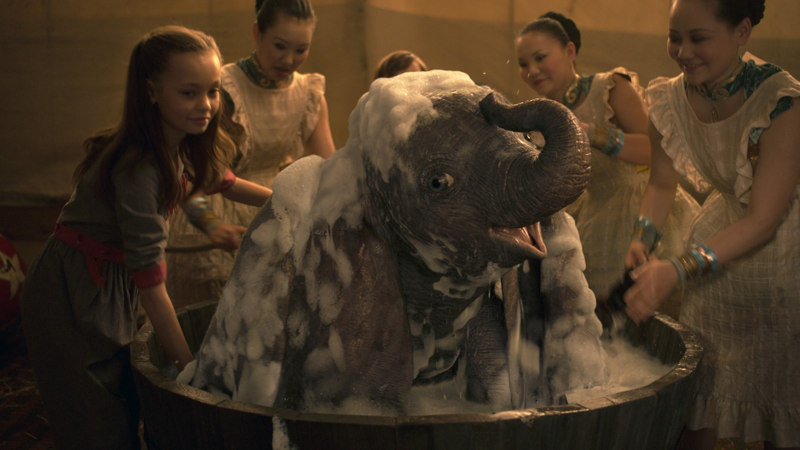 Cena do live-action 'Dumbo', que estreia dia 28 de março nos cinemas brasileiros (Foto: Divulgação)