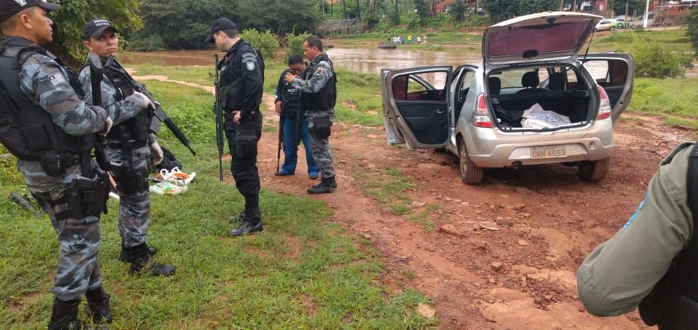 Polícia localizou veículos utilizados na ação criminosa — Foto: Divulgação/PM Castelo do Piauí