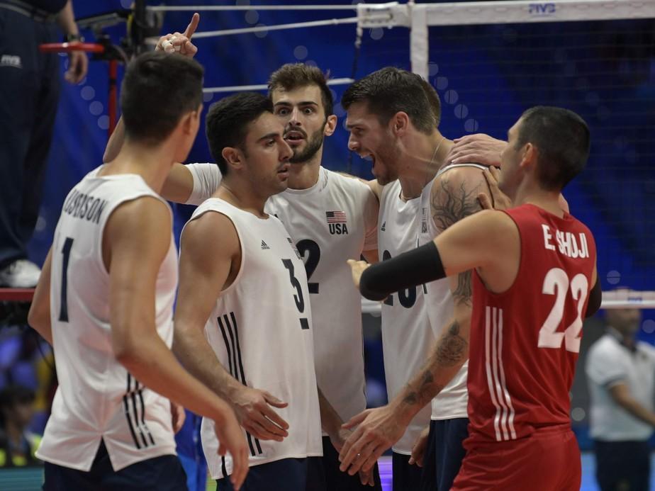 EUA vencem a Rússia e garantem o Brasil nas semifinais do Mundial