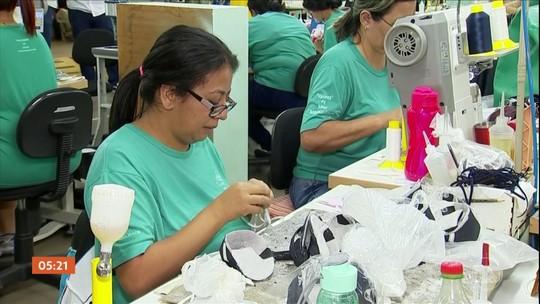 Sem vender, parte da indústria calçadista de Birigui dá férias coletivas aos funcionários