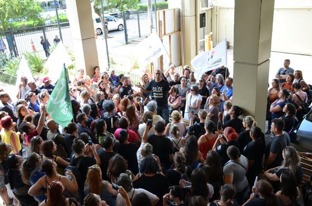 Juiz determina que demissões do IMESF aconteçam após acordo com a Prefeitura de Porto Alegre