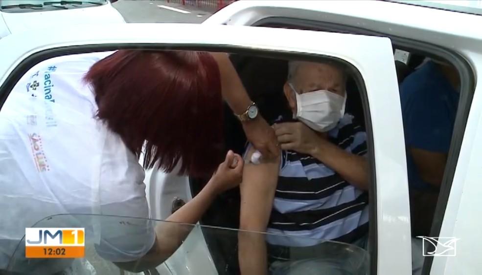 Posto drive thru é instalado na capital maranhense para vacinar idosos