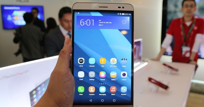 Testamos o MediaPad X2, smartphone com tela 'monstruosa' da