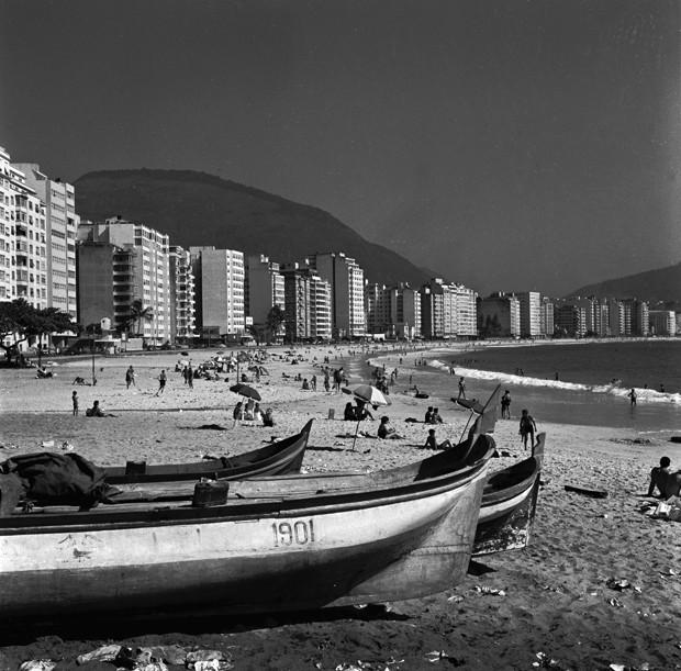 circa 1950:  Copacabana beach, Rio de Janeiro.  (Photo by Evans/Three Lions/Getty Images) (Foto: Getty Images)