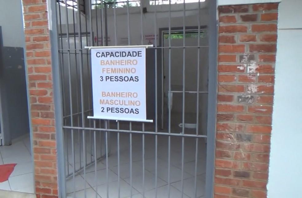 Banheiros com capacidade reduzida no Engenho Central de Piracicaba — Foto: Reprodução/EPTV