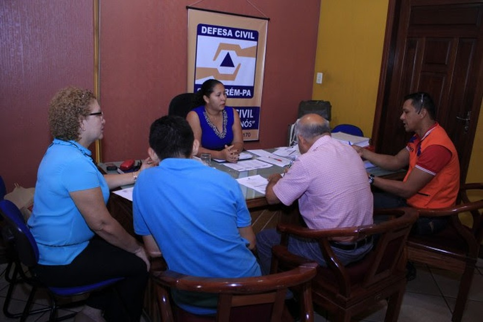 -  Reunião na Defesa Civil para planejamento de ações preventivas para o período de estiagem  Foto: Divulgação/PMS