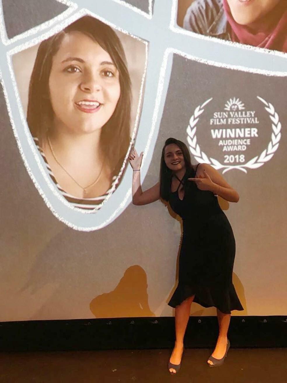 A cearense Myllena Cristyna foi convidada para participar de um documentário sobre jovens cientistas de vários países.  — Foto: Arquivo Pessoal