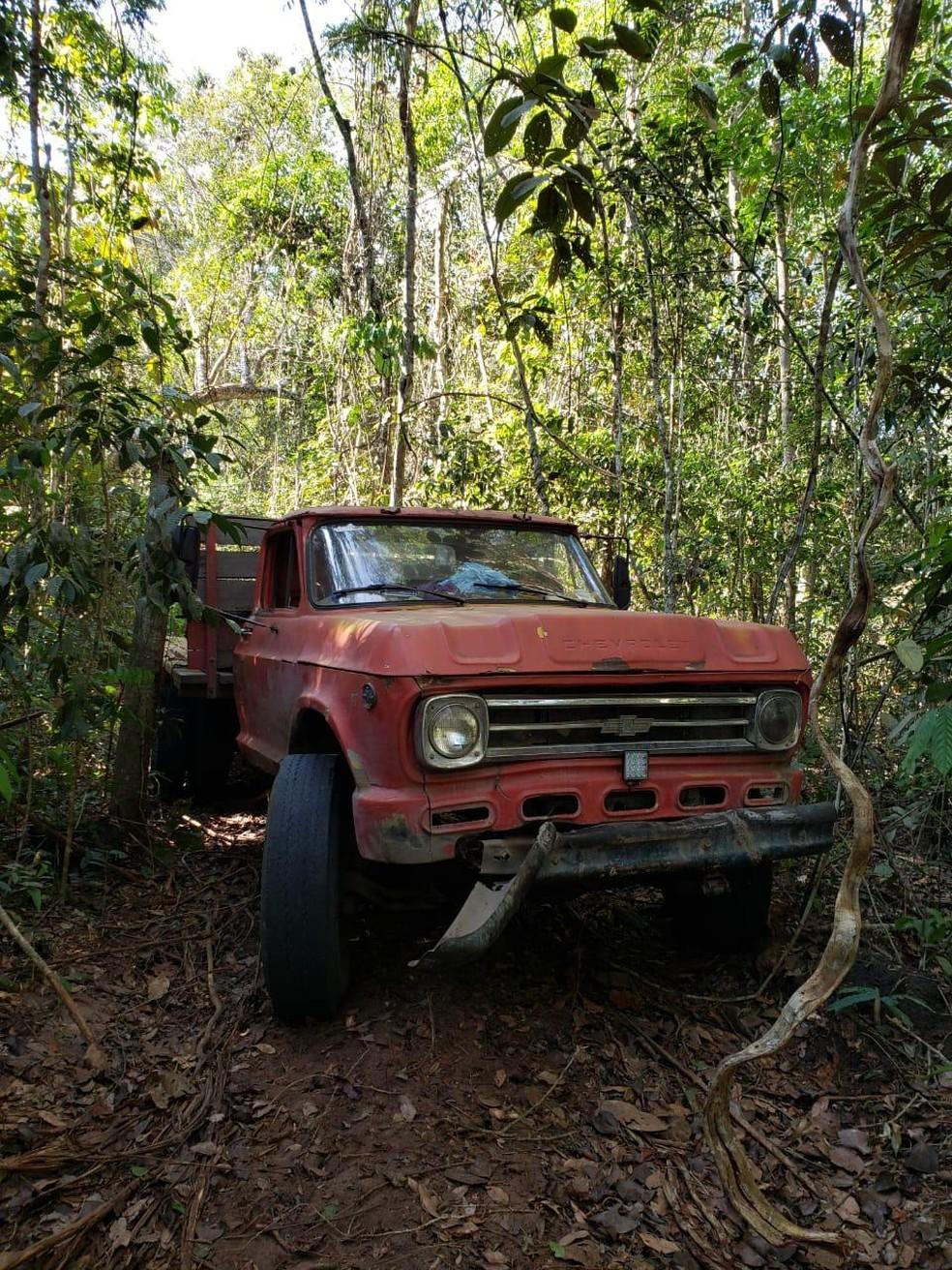 Caminhão é encontrado dentro de reserva indígena em RO — Foto: PF/Divulgação