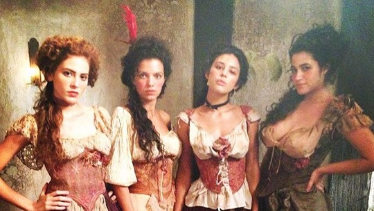 Yanna Lavigne, Hanna Romanazzi e Yasmin Gomlevsky gravam para 'Liberdade, Liberdade'