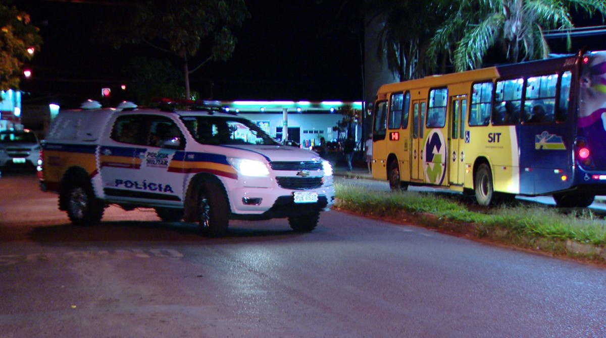 Policial é baleado durante perseguição a suspeitos de roubo em Uberlândia