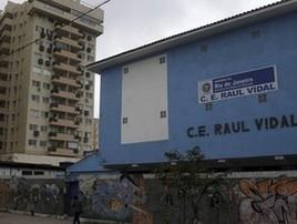 Incerteza marca volta às aulas hoje na rede estadual do RJ (Fabiano Rocha / Agência O Globo)