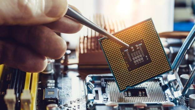 Os fabricantes de microprocessadores sabem que têm um problema (Foto: Getty Images via BBC News Brasil)