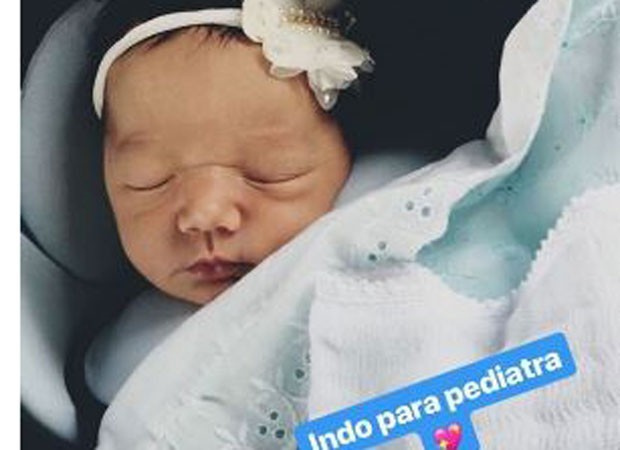 Roberta Almeida compartilha foto da filha Maria (Foto: Reprodução/Instagram)