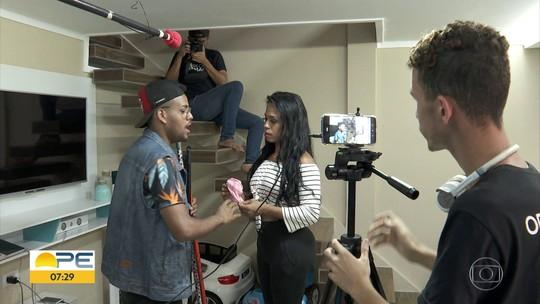 Jovens encenam e gravam novela inspirada na realidade do bairro onde moram no Recife