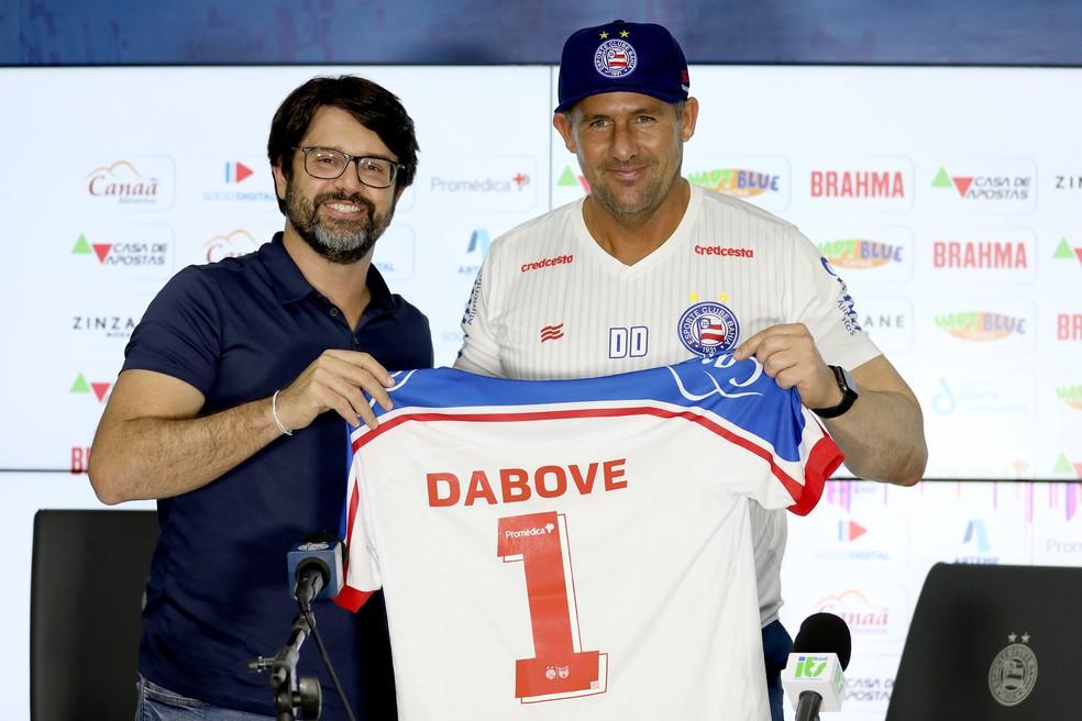 Diego Dabove em apresentação como novo treinador do Bahia — Foto: Felipe Oliveira / EC Bahia / Divulgação