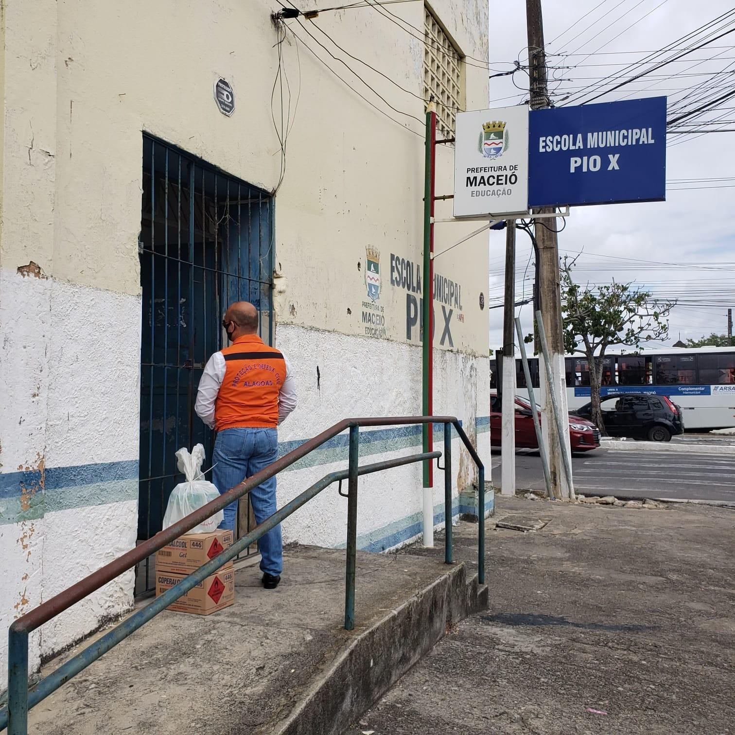 Defesa Civil inicia entrega de materiais de higienização em locais de votação do 2º turno em Maceió