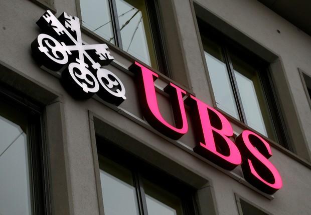 Logo do banco suíço UBS em prédio de Zurique  (Foto:  REUTERS/Arnd Wiegmann)