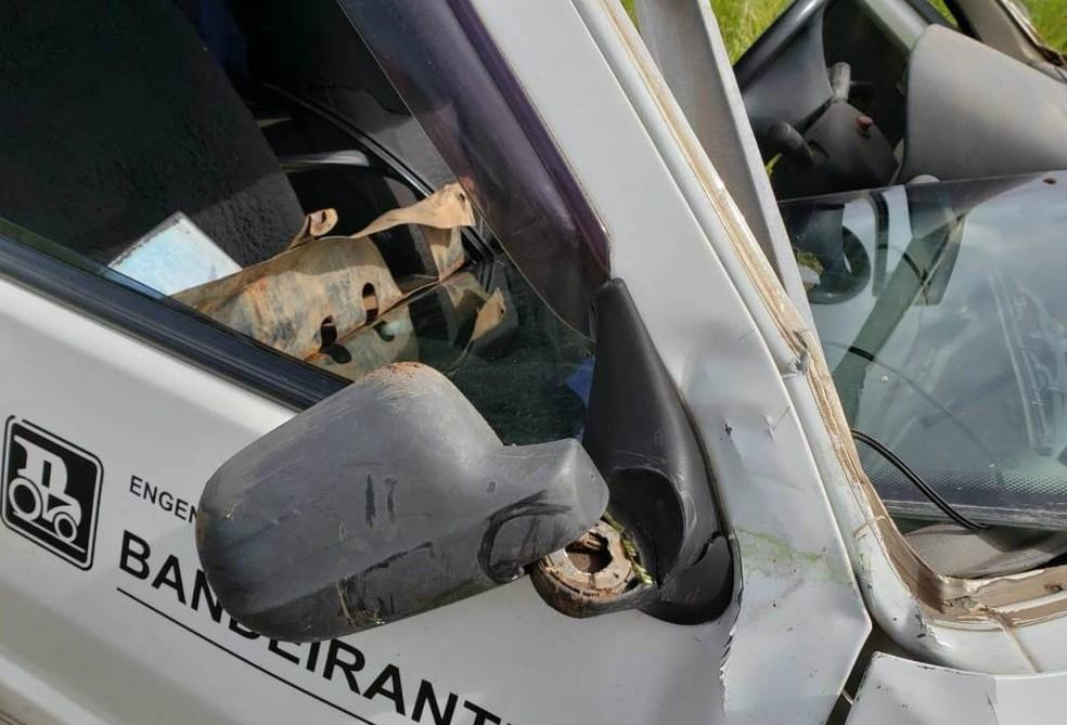 Motorista de 24 anos fica ferido após capotar o carro em São Carlos — Foto: ACidadeON/São Carlos