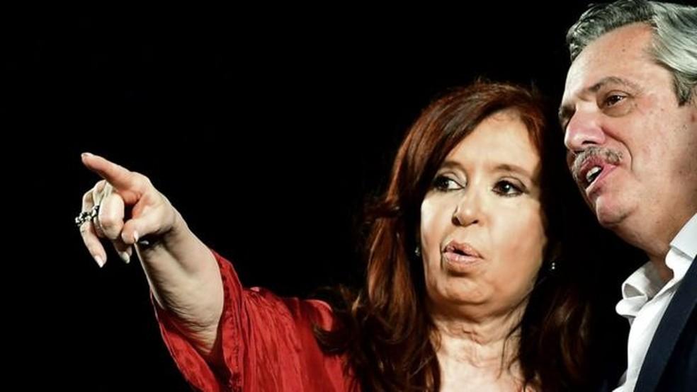 Ex-presidente Cristina Kirchner hoje é vice do atual mandatário argentino, Alberto Fernández, seu ex-chefe de gabinete — Foto: Getty Images via BBC