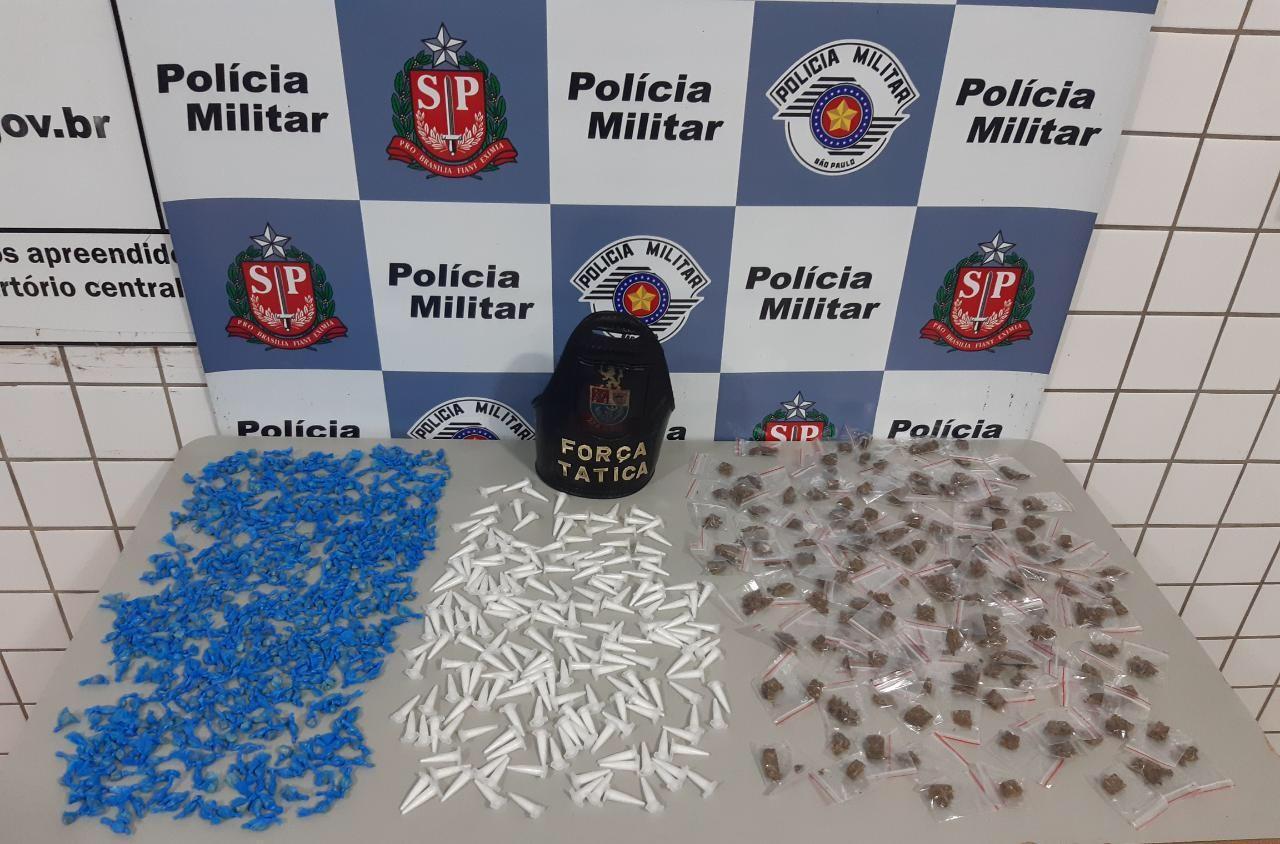 Mulher é presa com mais de 800 porções de drogas em Tatuí