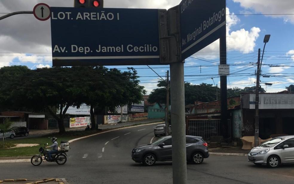 Uma das interevenções prevista é o prologamento da Marginal Botafogo no cruzamento com a Jamel Cecílio, no Jardim Goiás — Foto: Rodrigo Gonçalves/G1